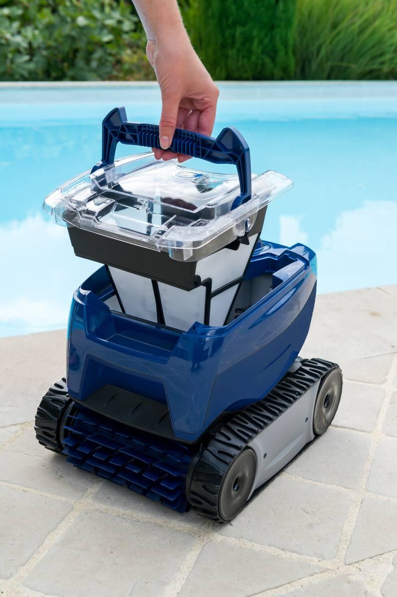 robots electriques nettoyage fond de paroi et ligne d 39 eau zodiac lyon est piscines. Black Bedroom Furniture Sets. Home Design Ideas